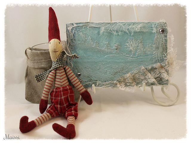 Some mixed media art for christmas. http://maissinaskartelusoppi.blogspot.fi/