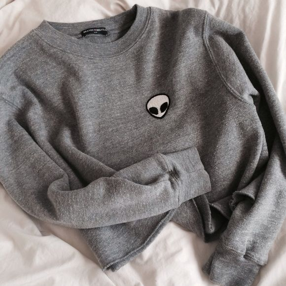 Brandy Melville Alien Sweatshirt NWOT • perfect condition • cropped version • LOOKING FOR FULL LENGTH VERSION Brandy Melville Tops Sweatshirts & Hoodies