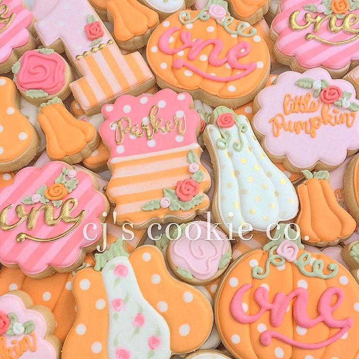 Parker is one!!🎃💕🎃💕 #decoratedcookies #sugarcookies #sugarart #edibleart #littlepumpkin #littlepumpkinparty #pumpkinparty #shabbychic #shabbychicparty #elkgrove #sacramento #lilpumpkin #fallbirthday #pumpkincookies #pumpkins #partyfavors #thatsdarling #thehappynow #pink #foodstyling #food #dessert #cookies #foodie #cookiesofinstagram #abmautumn