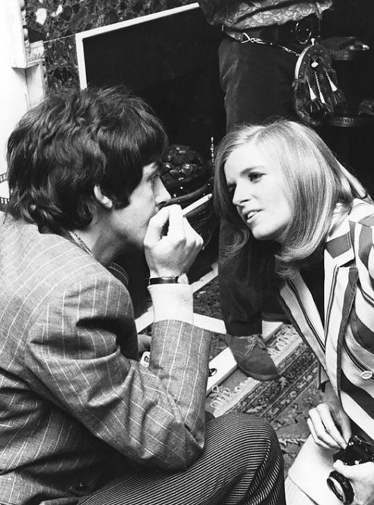 American photographer Linda Eastman with Paul McCartney of the Beatles. Linda Eastman of course would later become mrs. Linda McCartney.