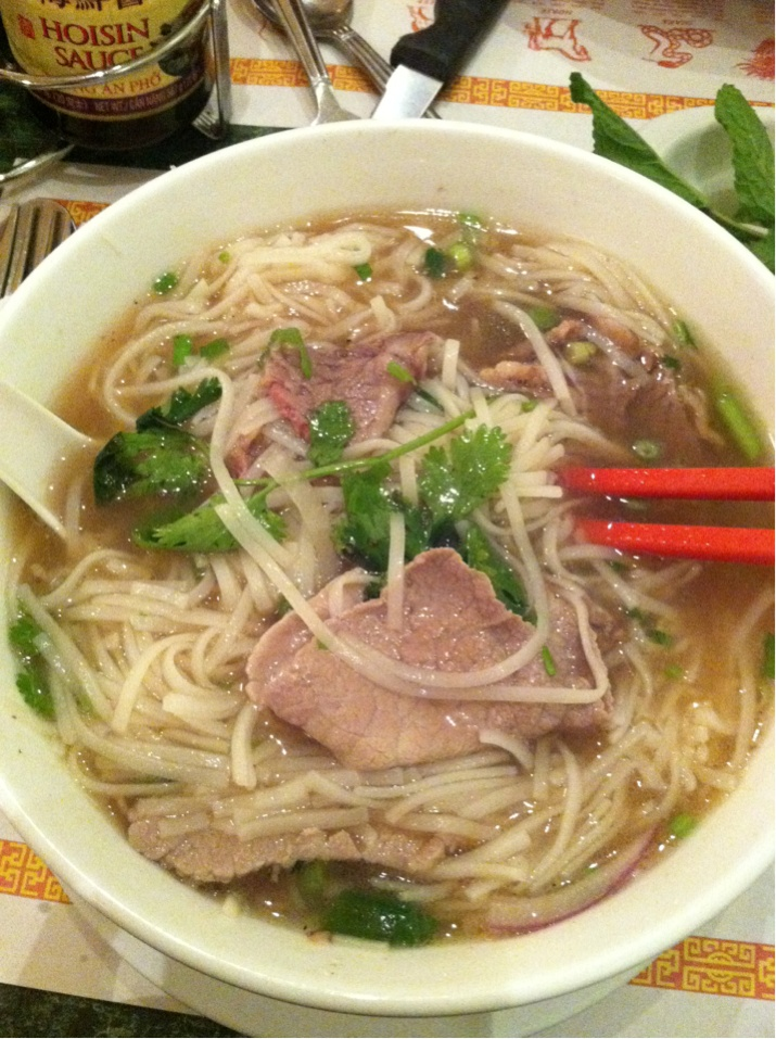 On Wednesday I was craving pho. And since my favorite restaurant was closed, I went with Denis all the way to Miami Lakes (it's a 15 mile drive!) to get some at Green Papaya. I'm addicted to pho!  G.