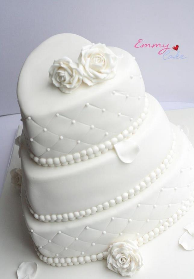 torta nuziale bianca a forma di cuore  Sweet  Pinterest  Love love ...