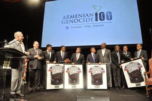 Los Presidentes Wilson y Reagan, La Cruz Roja Americana, el New York Times y numerosos gobiernos extranjeros recibieron el Premio Héroe por salvar armenios durante el genocidio realizado por los turcos.