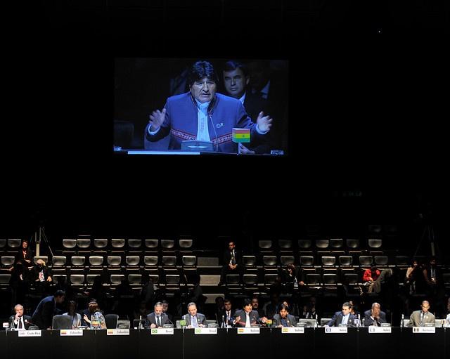 28 de ENERO de 2013/SANTIAGO, CHILE.   Sesión Plenaria de la Cumbre CELAC en el Salón Pablo Neruda, en el Centro de Convenciones Espacio Riesco. En la foto: El Presidente de Bolivia, Evo Morales, durante su intervención.   FOTO: PABLO OVALLE/AGENCIAUNO/PRENSACUMBRE
