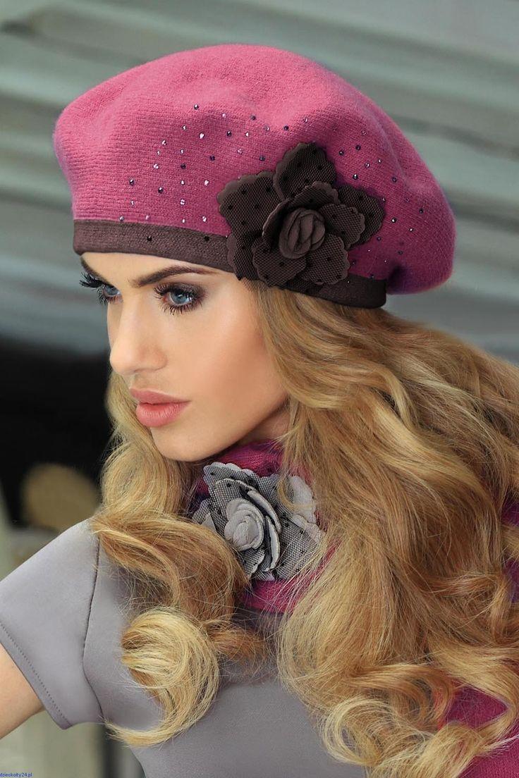 Beret damski ciepły piękny dwukolorowy z różą  Daniela Kamea