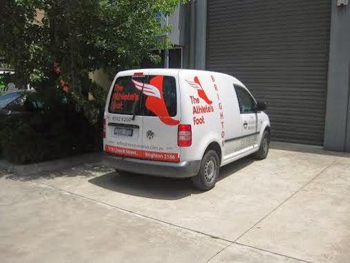 vinyl graphics, vinyl lettering, vehicle marking, fleet graphics www.signgallery.com.au/
