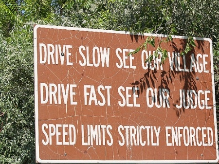 haha oooh speed limitFunny Signs, Drive Slow, Funny Business, Warning Signs, The Village, Law Enforcement, Funny Roads Signs, Speed Limited, Drive Fast