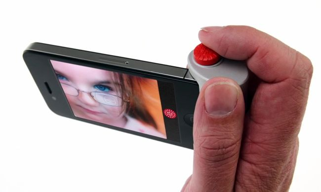 Red Pop, a giant shutter button for the iPhone camera