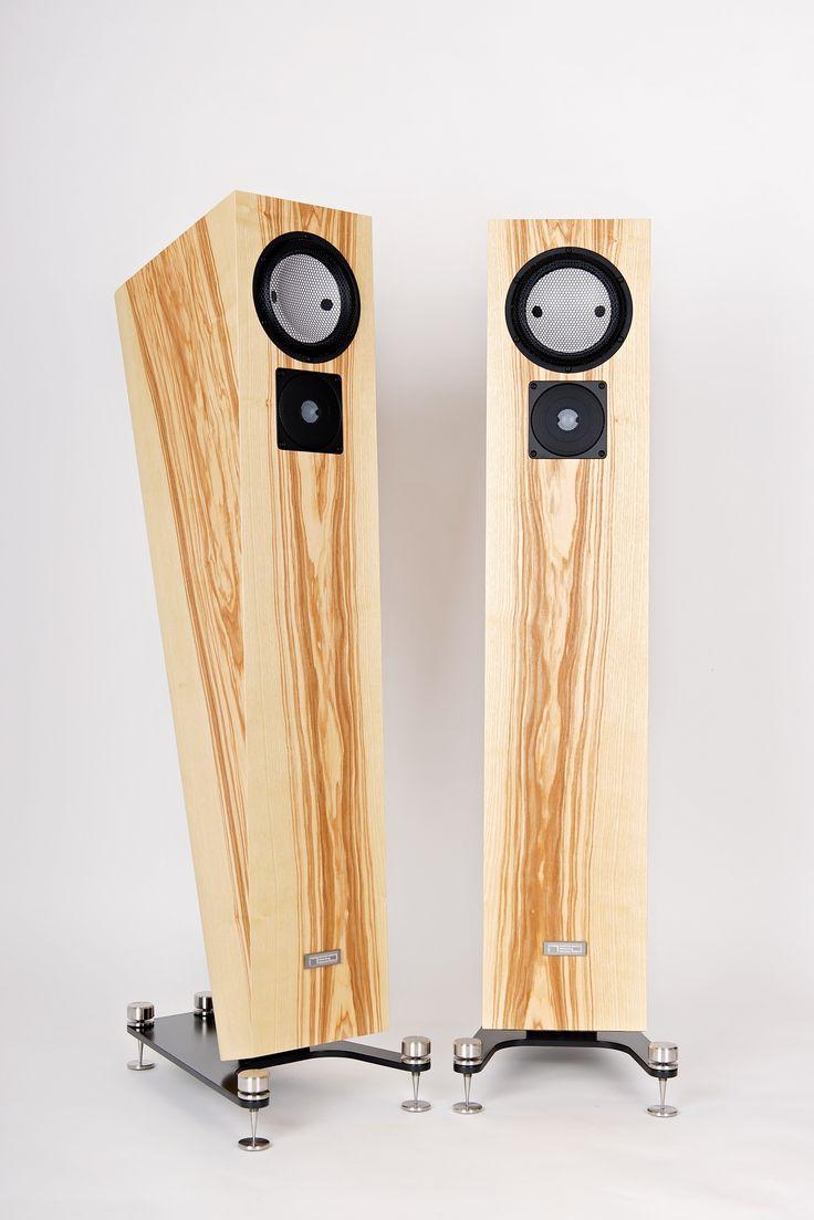 High end speakers NEO Alpha #neohighend #alpha #tripod #doubletripod #quattron #highendspeakers #luxuryaudiorack #accuton