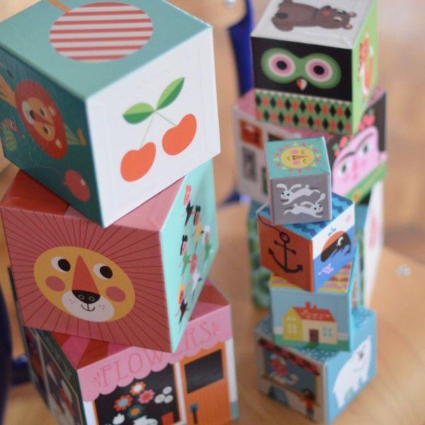 10 cubes empilables Ingela P. Arrhenius Omm design - deco-graphic.com