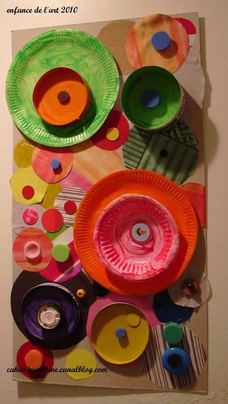 Leuk idee voor het thema vormen.... verschillende ronde materialen.