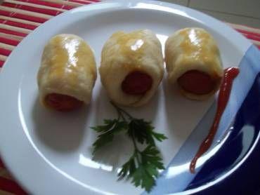 Delicioso mini cachorro quente de forno é uma delícia! Uma excelente opção pro lanche da tarde Delicioso mini cachorro quente de forno Imprimir Autor: Rece