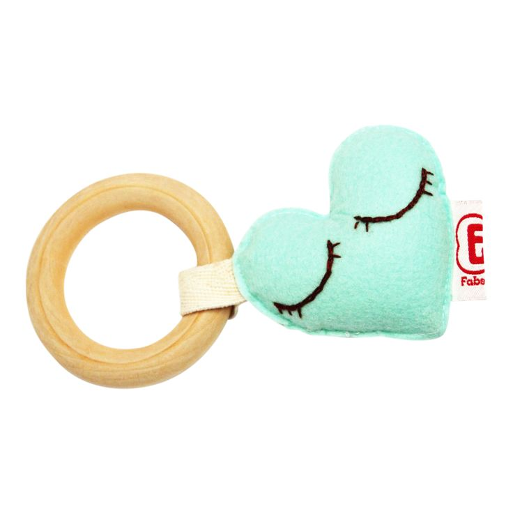 TEETHER HEART l Bijtring hart @fabsworld #fabsworld #mommyblog #giftidea #teether #nursery #kado #gift #babyshower #bijtring #present #fabsstore #heart #hart #natural   shop:WWW.FABSSTORE.COM (ship worldwide)