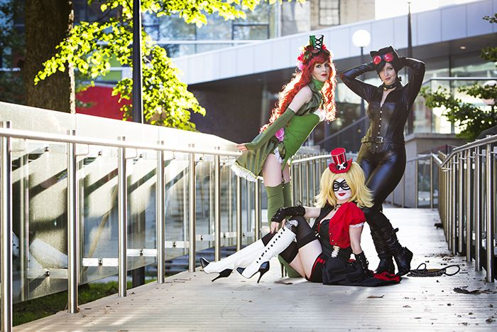 Harley Quinn, Poison Ivy and Catwoman cosplay design by NoFlutter for The Geekettes photoshoot with Angela Lau Design and Photography. | #cosplay #harleyquinn #thegeekettes #geekettes #poisonivy #catwoman #gothamcitysirens #steampunk