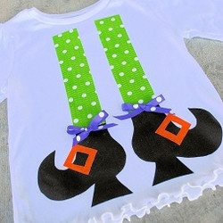 Tutorial: Witch legs Halloween shirt, no sewing required - Free Crafts, Handmade Gift Ideas, DIY Projects, Patterns and Tutorials