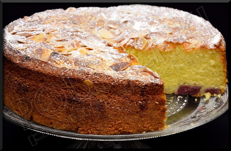 Le 4 X9 aux Cerises et Amandes , un gâteau à l'ancienne , facile à réaliser (puisque sans balance et autre verre mesureur) et déclinable selon vos envies