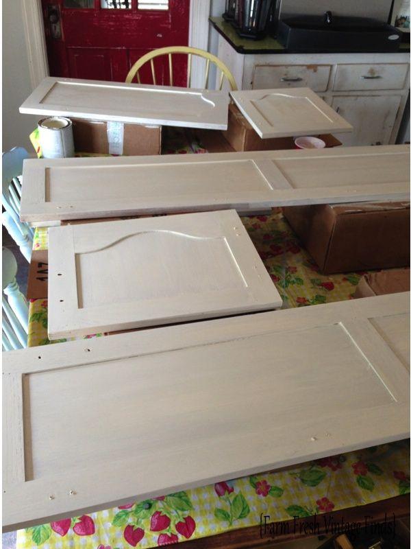 how to paint cabinets using annie sloan part 2 farm fresh vintage finds chalk paint kitchen - Chalk Paint Ideas Kitchen