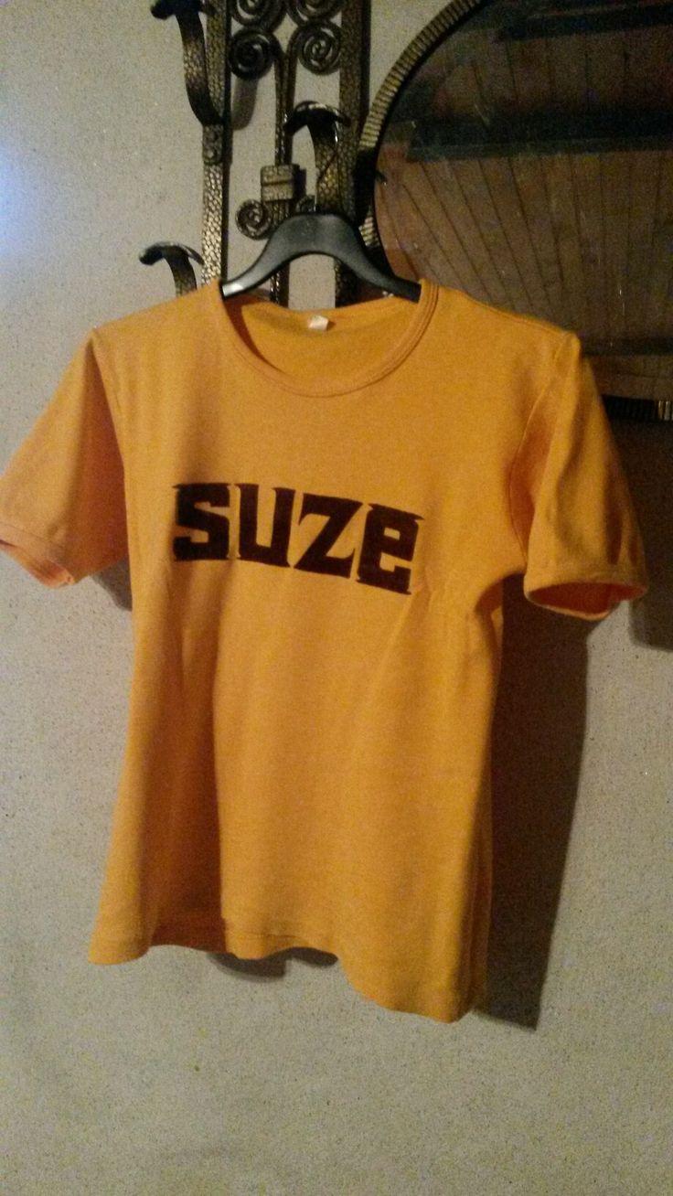 Tshirt SUZE (recto) trouvé sur le vide grenier de Saint Just en Chevalet  (42) j'ai 😊