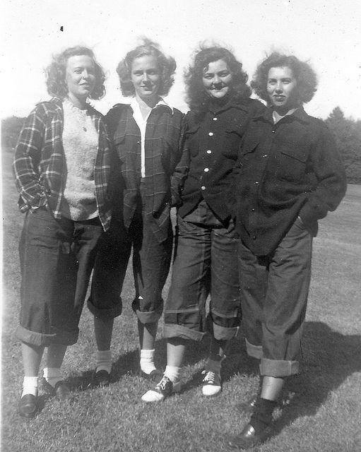Saddle shoes, ca. 1940s. #womensfashion #1940s #saddleshoes