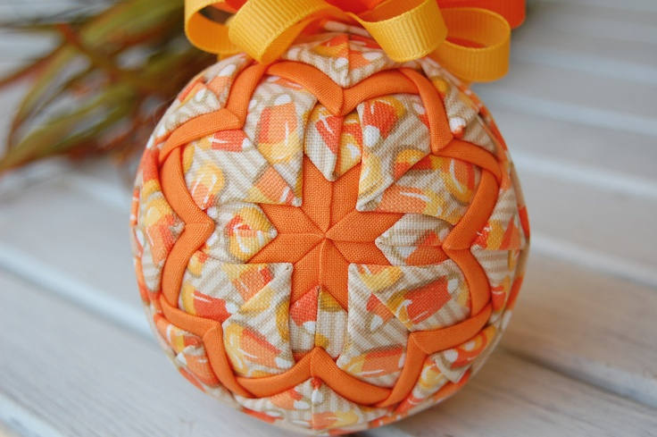 Halloween quilted ornament