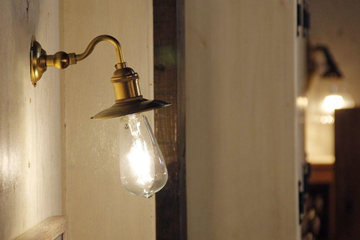 【楽天市場】【エジソン型 LED付き】ブラケット ウォールライト ランプ 間接 照明 壁 リビング 廊下 洗面所 店舗 インテリア おしゃれ シンプル レトロ インダストリアル ヴィンテージ アンティーク ブルックリン ニューヨーク - Madison マディソン -:Rachel Lamp