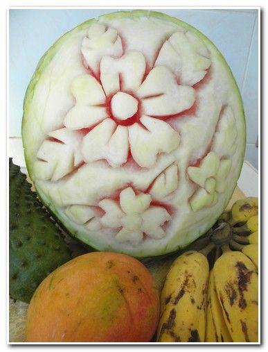 Escultura em melancia. Se eu posso, você pode.