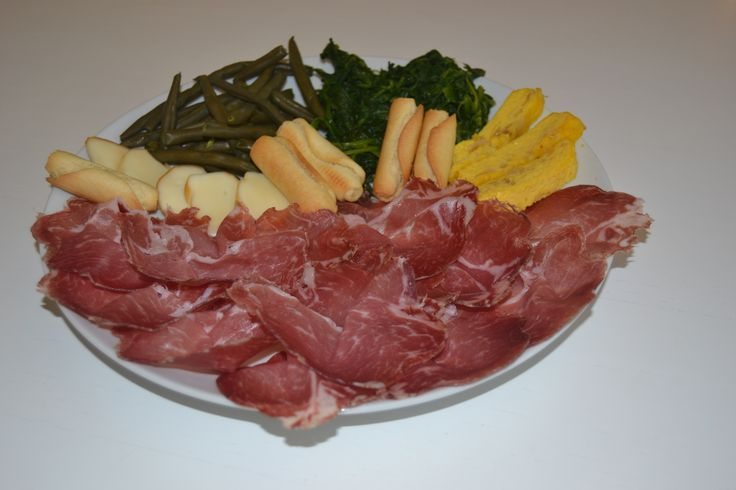 La nostra Coppa, stagionata per 4 mesi... Deliziosa! - Our Coppa, seasoned for 4 months... Delicious! - www.TDSitalianfood.com