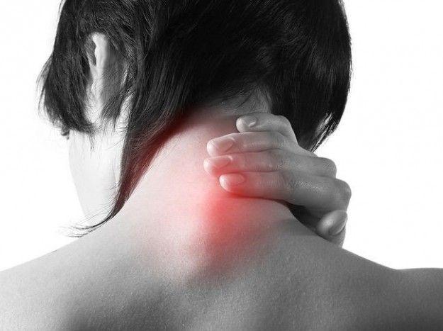 Cervicale: gli esercizi per combattere il dolore