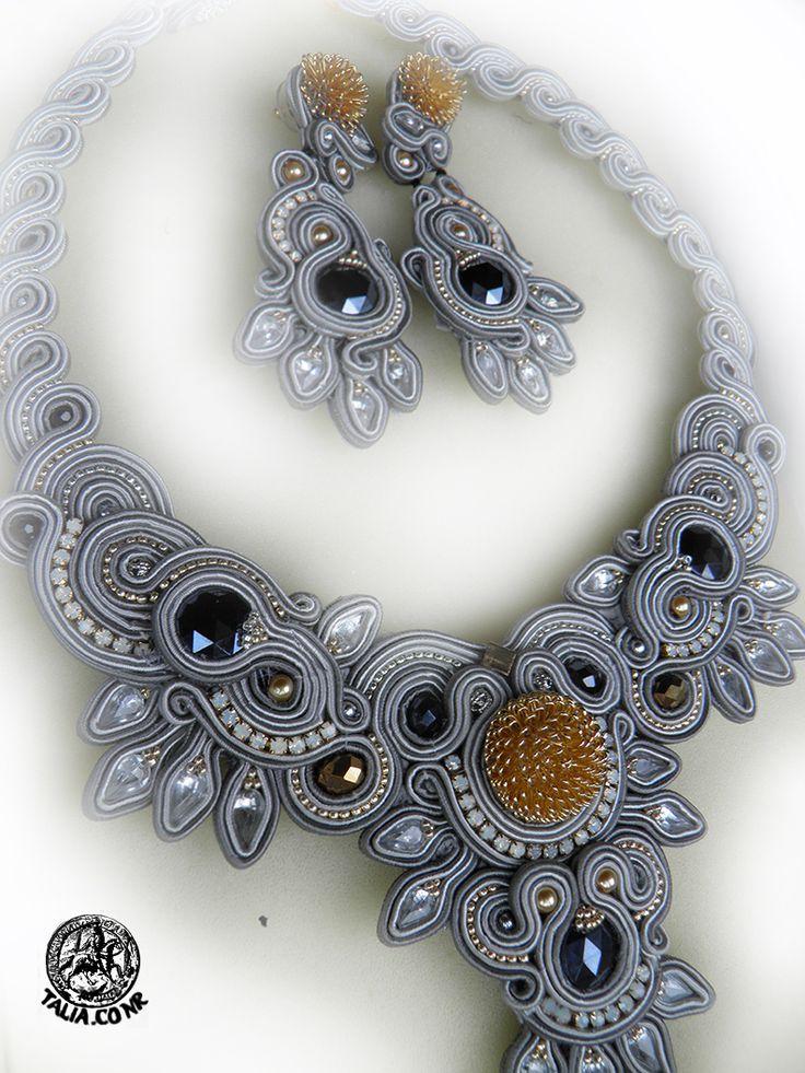 Necklace & earrings in Grey