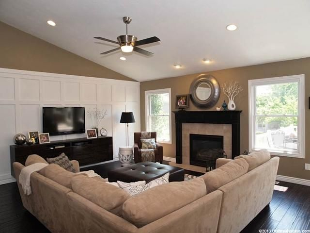 Family Room Ideas Interesting Love This Family Room Living Room Decorating Ideas On A Budget Decorating Inspiration
