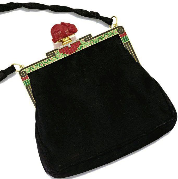 Art Deco evening purse with geometric detailing to the clasp - 1925