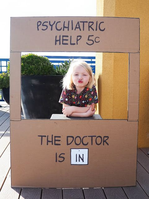 Ava's Peanuts Birthday Party - Lucy's Psychiatric Help Booth!