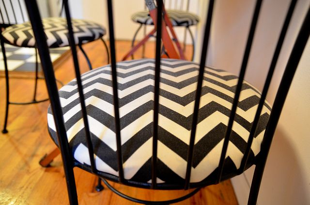Stars for Streetlights: DIY Chevron Chairs