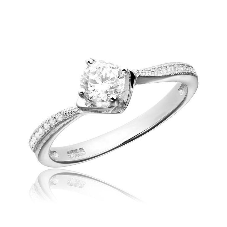 Inel de logodna argint Solitar cu cristale laterale mici Cod TRSR117 Check more at https://www.corelle.ro/produse/bijuterii/inele-argint/inele-de-logodna-argint/inel-de-logodna-argint-solitar-cu-cristale-laterale-mici-cod-trsr117/