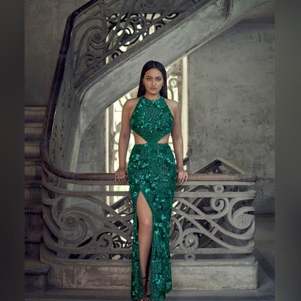 Sonakshi Sinha makes a gorgeous mermaid in green
