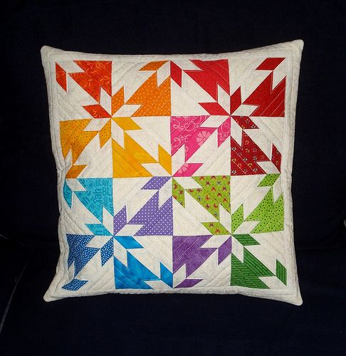 "Fantastic colored variation on the ""Hunter Star"" block in this pillow by Petra [tramtadam]. Tutorial can be found here: http://www.quiltingboard.com/tutorials-f10/hunters-star-t50608.html"