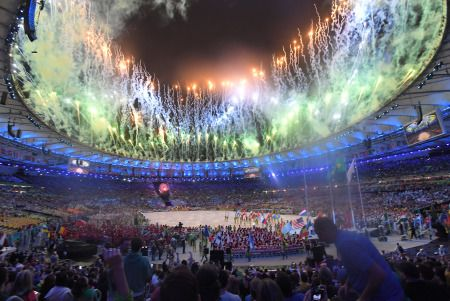 <リオ五輪>南米初のスポーツの祭典に幕 閉会式でも空席