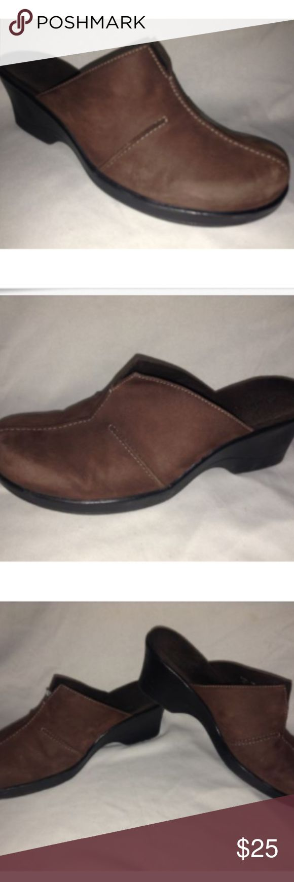 "Clarks Nubuck Suede Leather Mule Woman 7 M Clarks ""Delight"" Nubuck Suede Wine Leather Clog Mules 7 M  Faith makes all things possible, Hope makes all things work, Love makes all things beautiful Clarks Shoes Mules & Clogs"