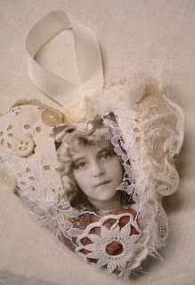 fabric and lace heart by Dorthe of Den Lille Lade