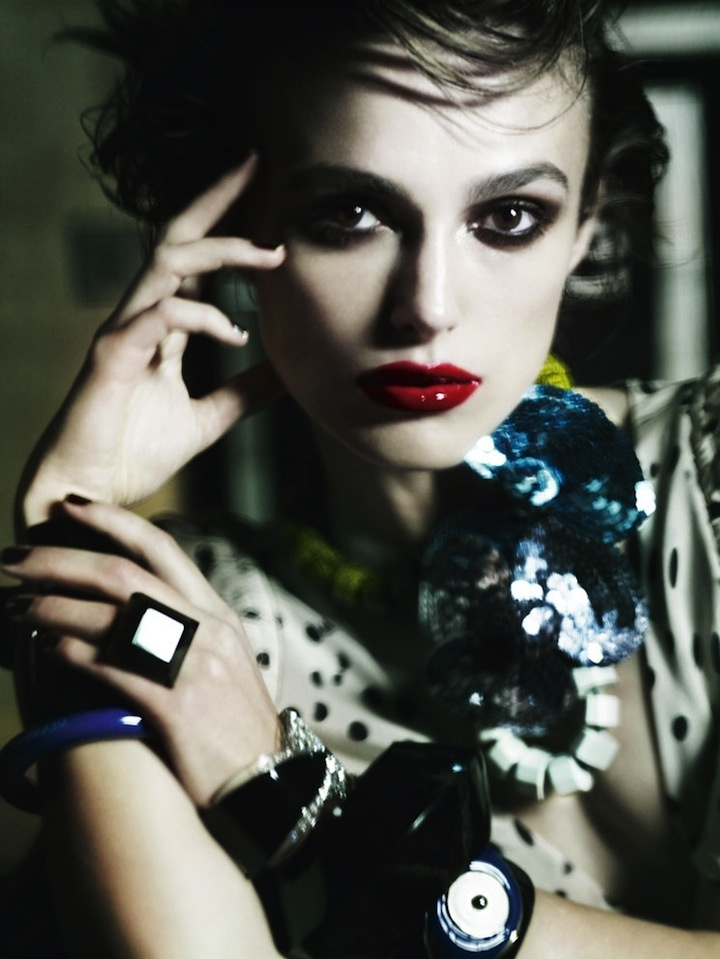 Perfect lowkey lighting for beauty // Keira Knightley