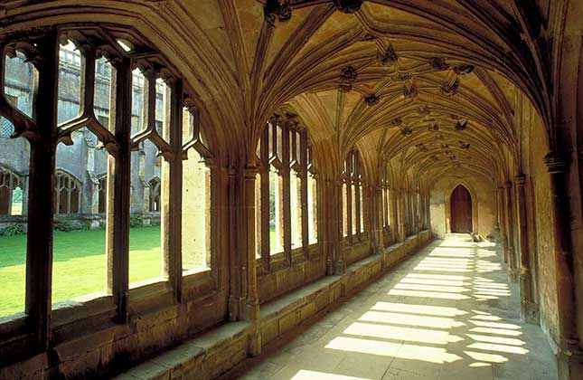 Did you spot National Trust Lacock Abbey in ‪#‎Wiltshire‬ masquerading at the Palace of Westminster in BBC2's ‪#‎TheHollowCrown‬? We did! No stranger to the silver screen, Lacock Abbey and village have appeared in Harry Potter, Pride and Prejudice, Downton Abbey, Cranford and Wolf Hall - among others. What a star.