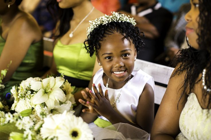 JC Crafford Photography captured this little Flower girl smiling. Bridesmaids and flower girls at our wedding venue at Casa-lee Country Lodge. We are passionate about weddings at Casa-lee Country Lodge in Pretoria East www.casa-lee.co.za