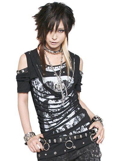 SLASH BARESHOURDER Cutsew available at http://www.cdjapan.co.jp/apparel/new_arrival.html?brand=SPT