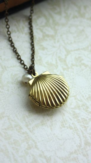 lovely locket! For the little mermaids out there ;)