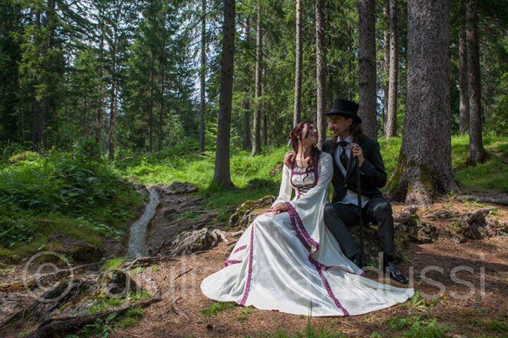 Renaissance Gown, Medieval Wedding Dress, Elvish Wedding Dress, Robe Medievale, Pre-Raphaelite Dress, Hand Fasting Gown, Medieval Gown, Mara by frockfollies on Etsy https://www.etsy.com/listing/150239616/renaissance-gown-medieval-wedding-dress