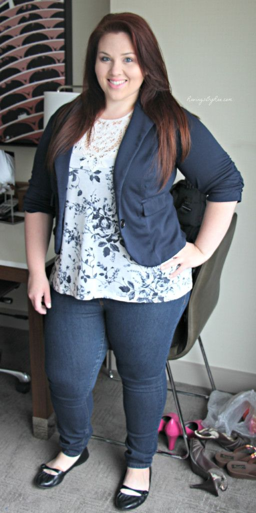 Plus Size OOTD Navy Blazer and Jeans