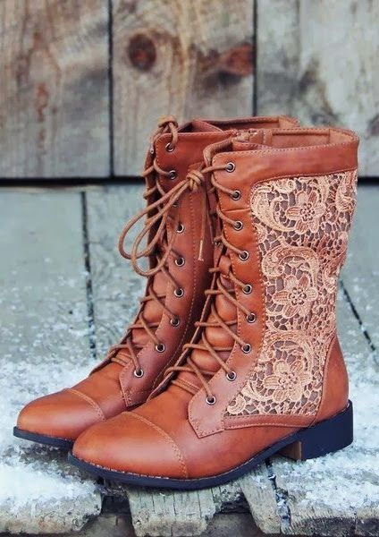 Harper Detailed Lace Leather Lace Up Boots: