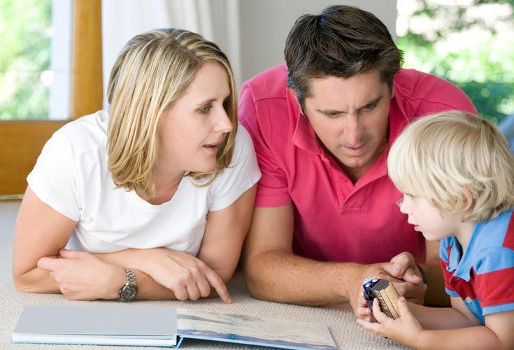 Говорить коротко и внятно. Самое главное – говорите вначале одним предложением. Чем больше вы говорите, тем меньше ребенок будет вас слушать сейчас и в дальнейшем.