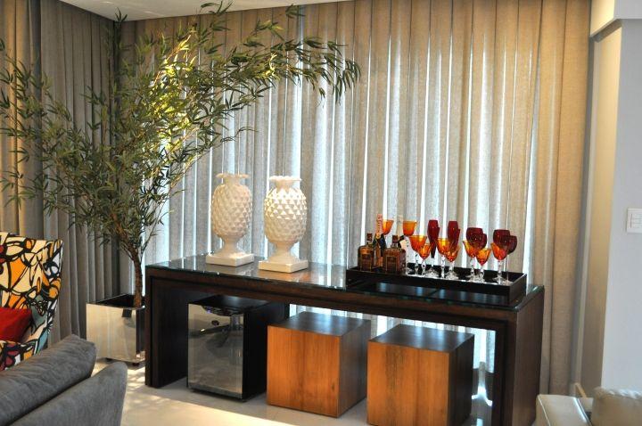 Aparador e adega - Projeto Humberto & Analice Zirpoli #decor #decoração #homedecor #bar