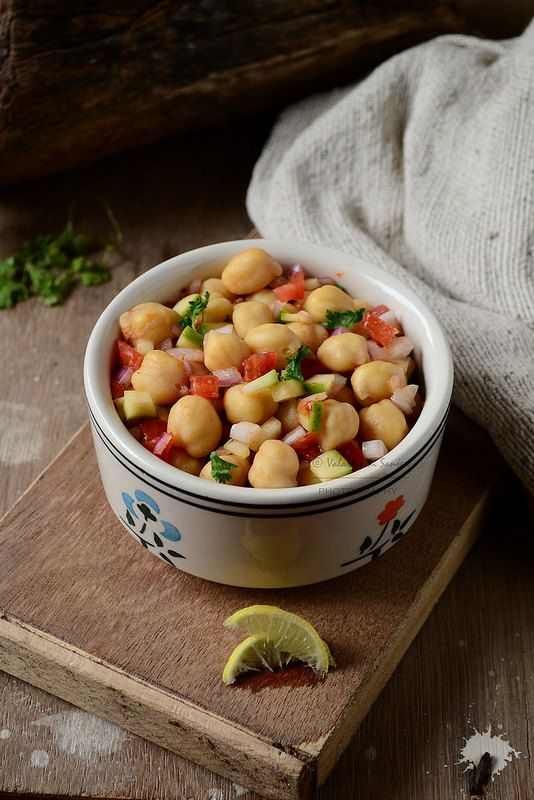 Simple and Yummy Recipes: Chickpeas Chaat / Chana Chaat